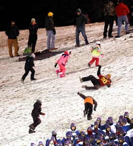Snow sliding in the stadium. (Laura Jacobsen)