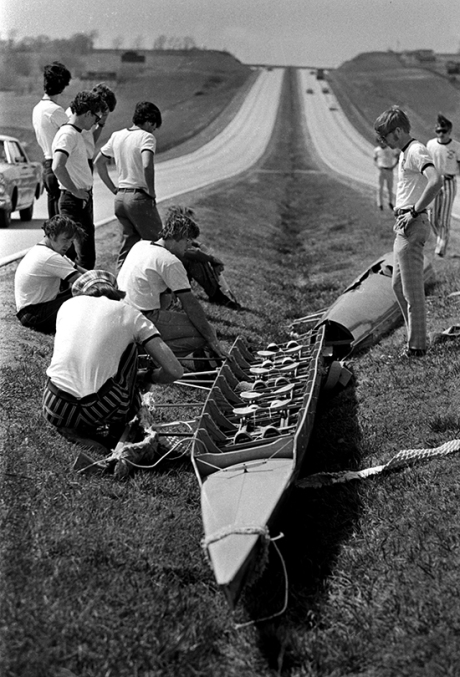 Rowing_Crash_04081971